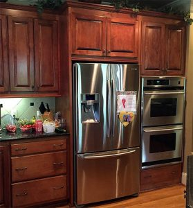 Middle Island Cabinet Refinishing kitchen cabinets countertops before 279x300